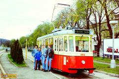 1999 - Brno, Folková šalina s tramvají č. 4058
