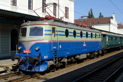2006 - 09 23 - Bohumín, Den železnice, 140004 historický vlak, 92 a 98 v hale