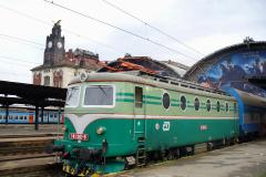 2007 - 07 05 - Praha Holešovice, 140004 zvláštní R s Pendolinem a 141001 na hlavním s Os do Čerčan