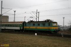 2008 - 12 26 - Olomouc Depo, 140085 a 141055 odstavená, na Os 141009 a 37